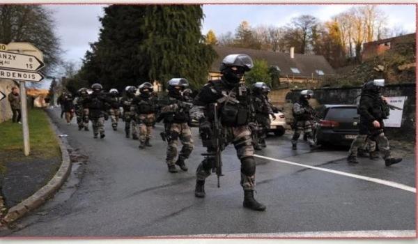 Δικτατορία στη Γαλλία: Απαγόρευση διαδηλώσεων, κράτηση χωρίς δίκη, κατ' οίκον έλεγχοι χωρίς ένταλμα!