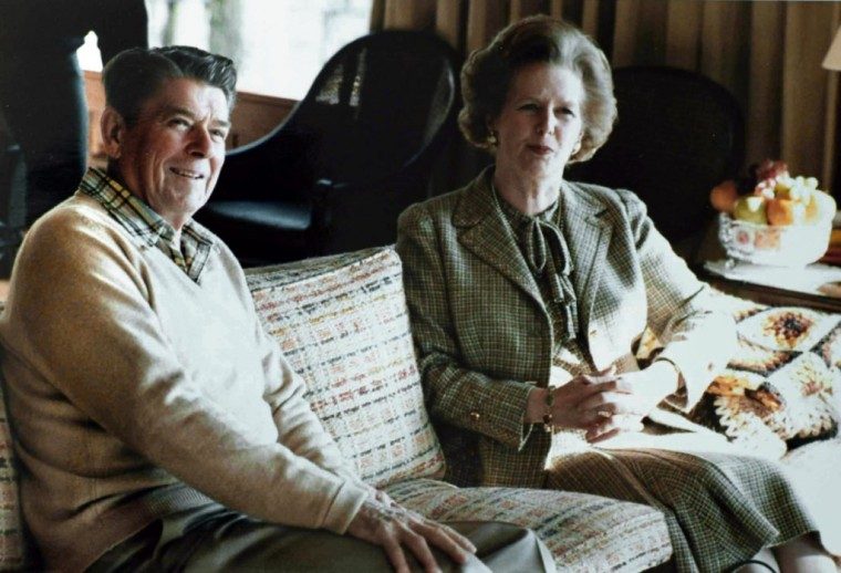 Thatcher_Reagan_Camp_David_sofa_19841-1024x699